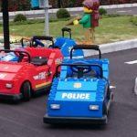 ドライビング・スクールとジュニアドライビングスクールでレゴの車を運転しよう